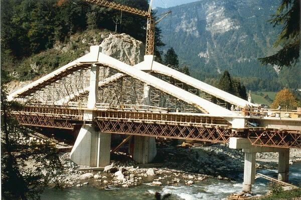 Oberrainbrücke Unken